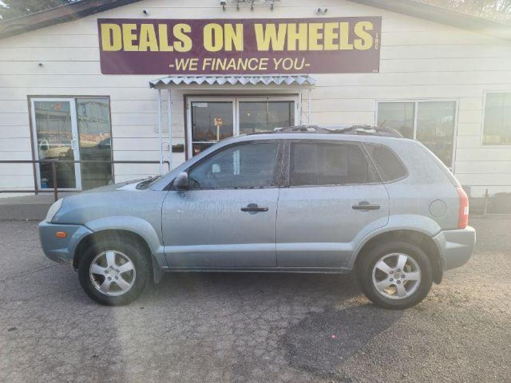 2005 TEAL HYUNDAI TUCSON GL 2.0 2WD (KM8JM12B25U) , located at 1821 N Montana Ave, Helena, MT, 59601, (406) 543-1986, 46.603153, -112.020531 - Photo #0